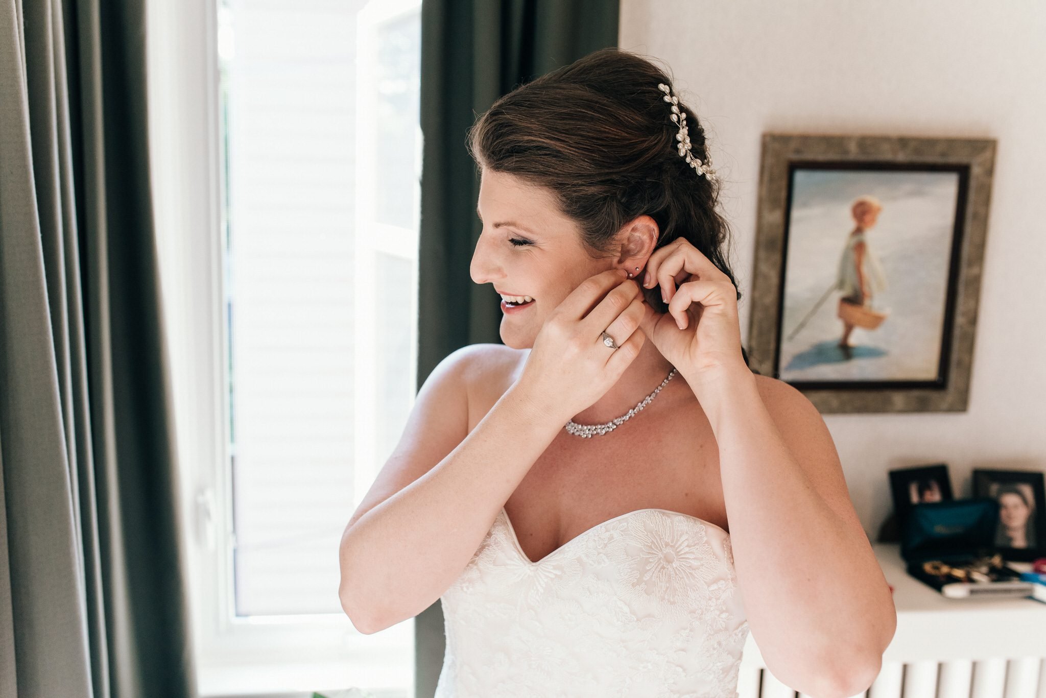 Bride preps for her Vintage Toronto Streetcar Wedding