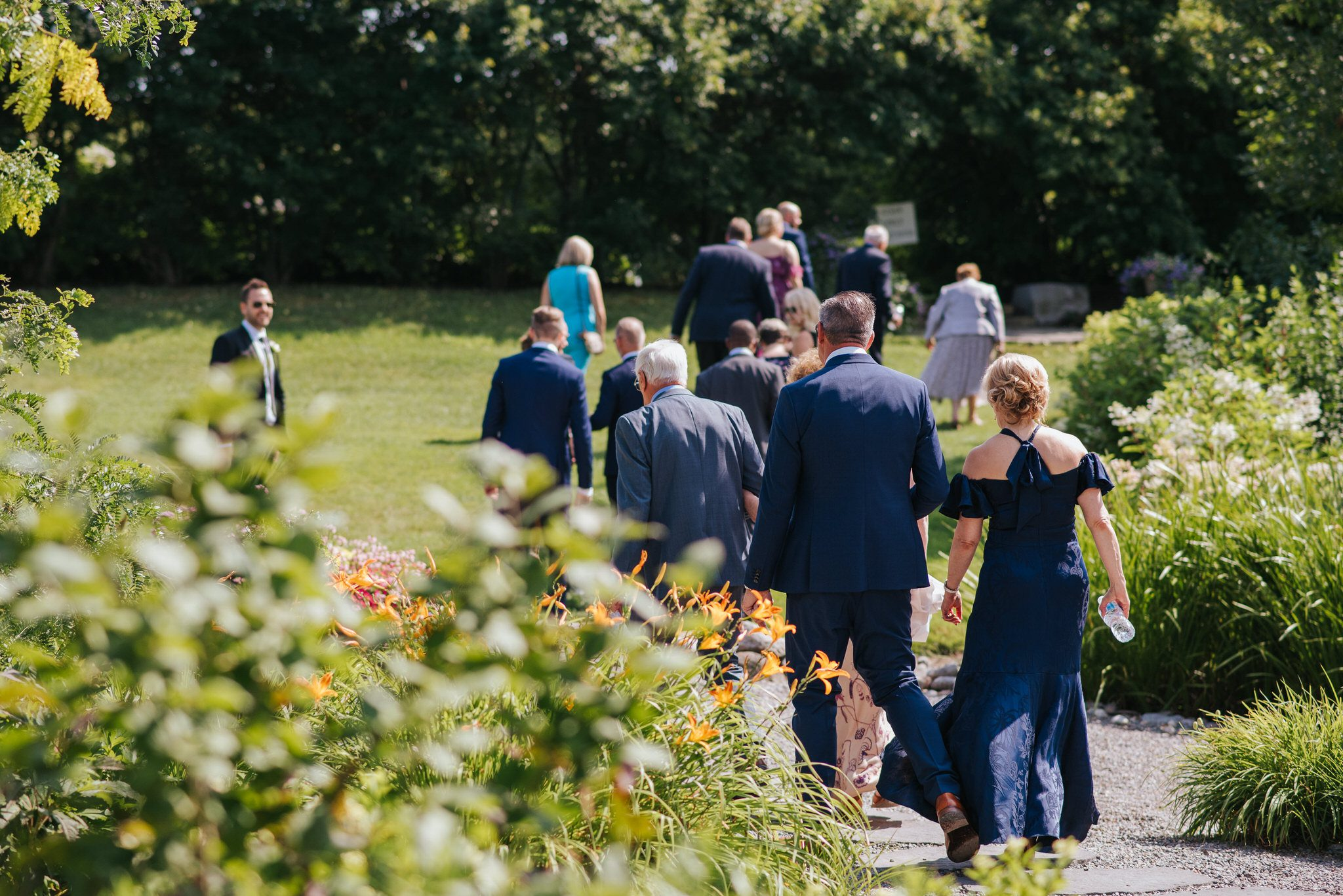 Bloomfield Gardens Wedding - guests arriving