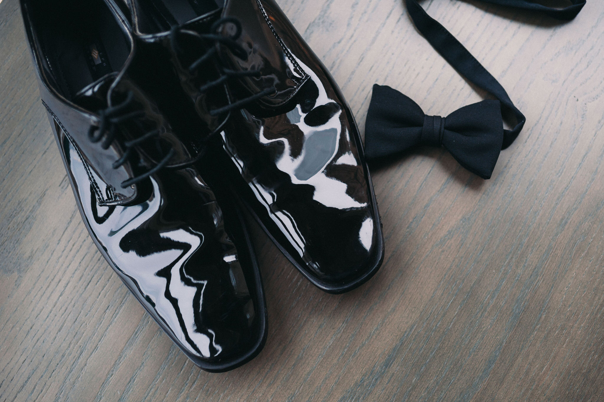 One King Toronto New Years Eve Wedding - grooms shoes and bowtie