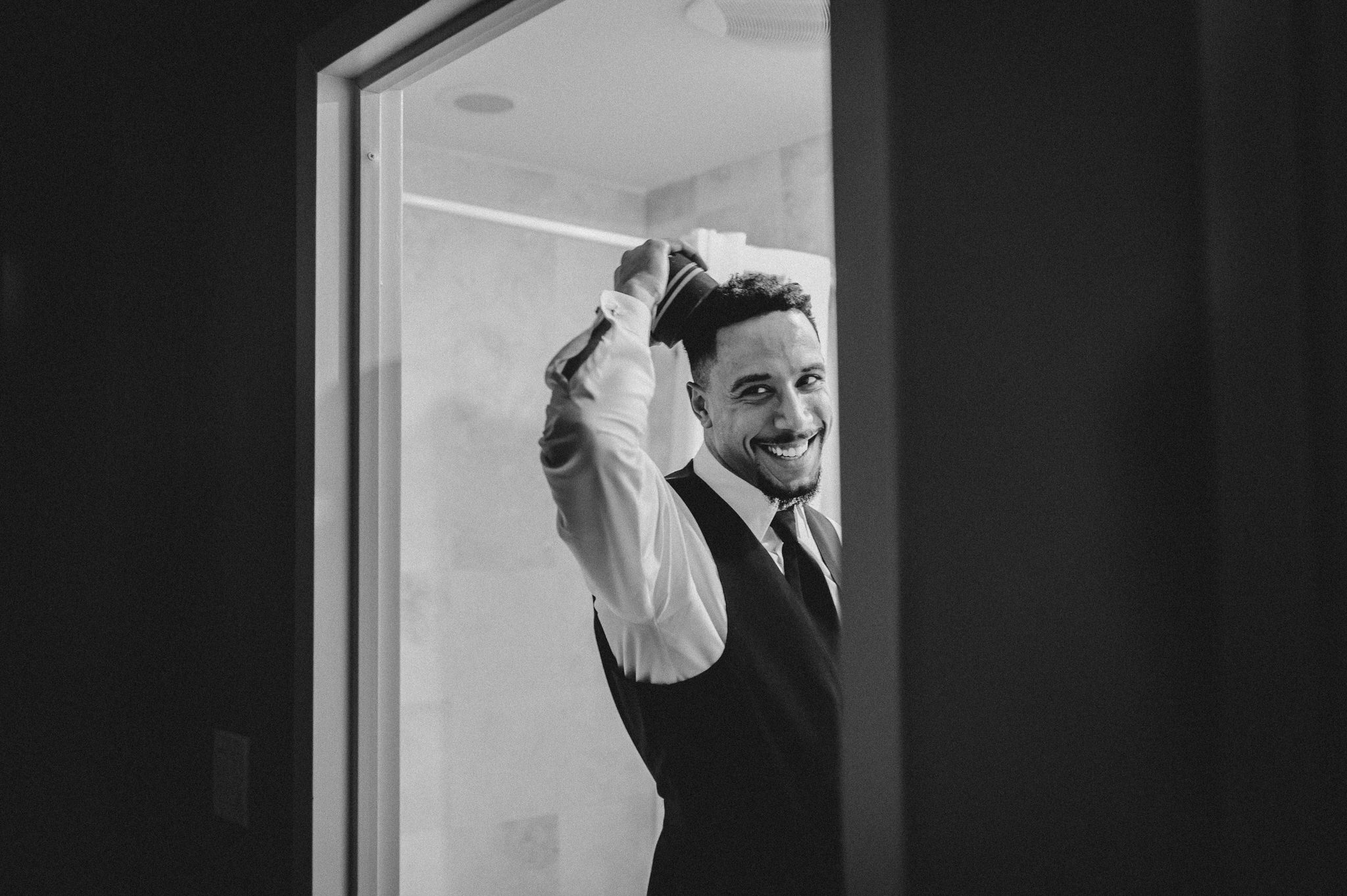 One King Toronto New Years Eve Wedding - groomsmen prep